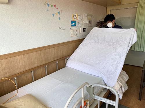 就労継続支援B型「ベッドのリネン交換」